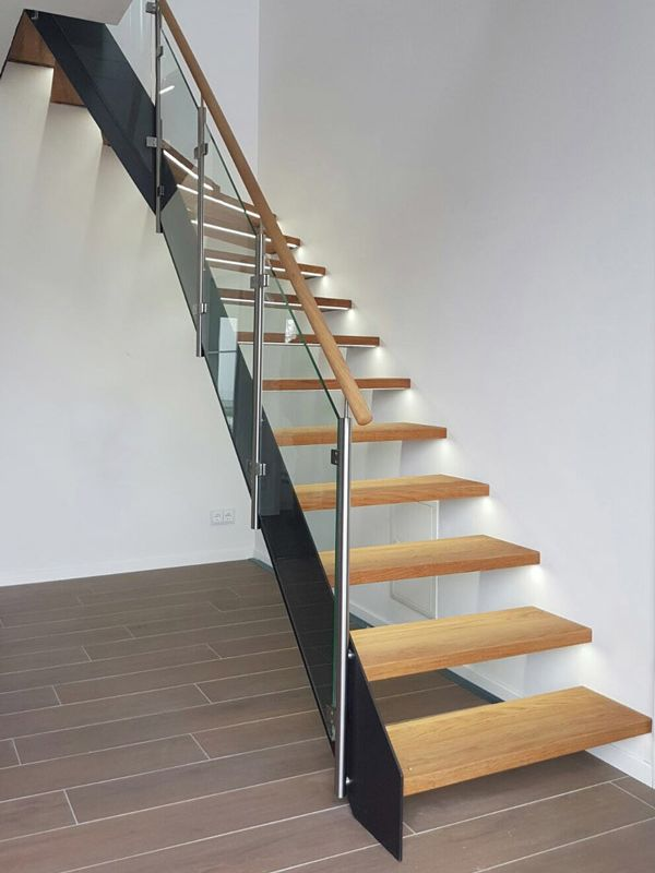 Stahlwangen-Treppe